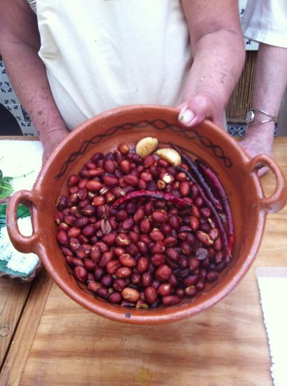 Cocinar Mexicano classes. Revelation - peanuts, roasted garlic & roasted arbols = salsa!