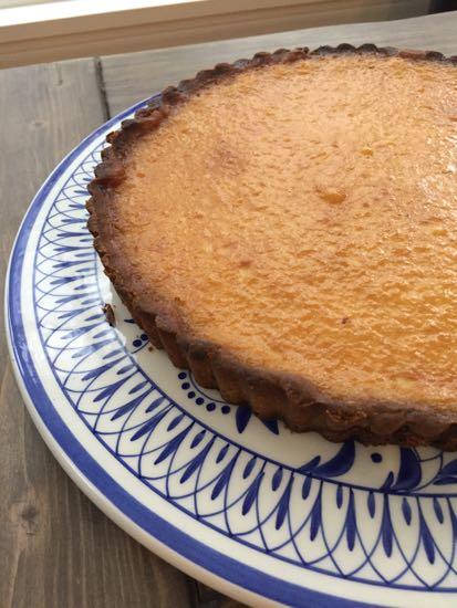 caramel tart dark baked crust